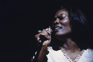 Dionne Warwick1976 © 1978 Ed Thrasher - Image 7702_0047