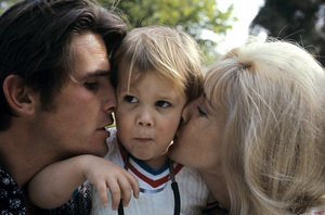 James Brolin with wife Jane Cameron Agee and son Josh Brolin1970 © 1978 Gene Trindl - Image 7729_0012