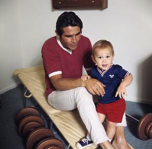 James Brolin with son Josh Brolincirca 1970** H.L. - Image 7729_0031