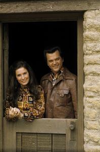 Loretta Lynn and Conway Twitty circa 1972 © 1978 Bud Gray - Image 7734_0022