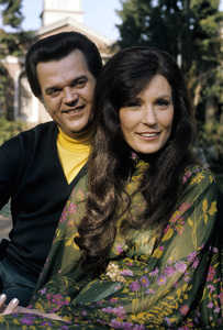 Loretta Lynn and Conway Twitty circa 1972 © 1978 Bud Gray - Image 7734_0048