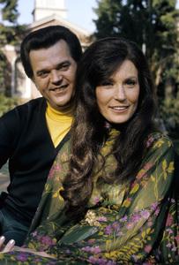 Loretta Lynn and Conway Twitty circa 1972 © 1978 Bud Gray - Image 7734_0048