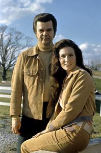 Loretta Lynn and Conway Twitty circa 1972 © 1978 Bud Gray - Image 7734_0082