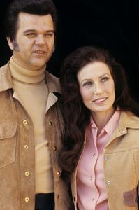 Loretta Lynn and Conway Twitty circa 1972 © 1978 Bud Gray - Image 7735_0003