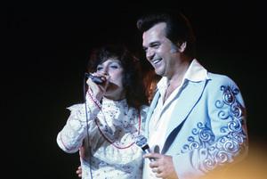 Loretta Lynn and Conway Twitty circa 1972 © 1978 Bud Gray - Image 7735_0019