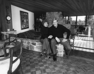 Ken Howard at home with his wife Margocirca 1978Photo by Gabi Rona - Image 7836_0003