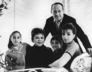 Lorna Luft is seen here with her mother, Judy Garland, and father Sidney Luft, along with her brother Joseph Wiley Luft (aka Joey) and Liza Minnelli at their home in Hollywood1962 - Image 7859_0004