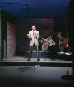 Bobby Darinon a television showC. 1963 © 1978 Ted Allan - Image 7906_0002