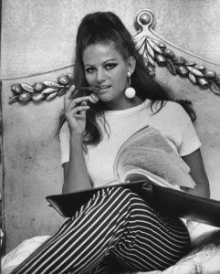 Claudia Cardinale at Home1966 © 1978 David Sutton - Image 7921_0030