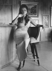 Claudia Cardinale at home1966 © 1978 David Sutton - Image 7921_0059