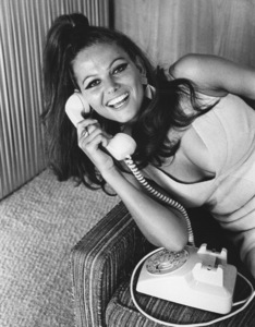 Claudia Cardinale at home1966 © 1978 David Sutton - Image 7921_0061