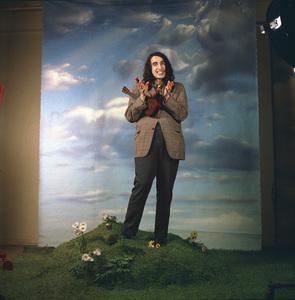 "Tiny Tim at the photo shoot for his album ""God Bless Tiny Tim"" 1968 © 1978 Ed Thrasher - Image 7943_0032"