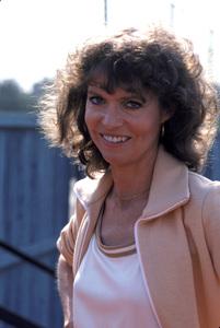 Barbara Feldon1978** H.L.  - Image 7988_0002