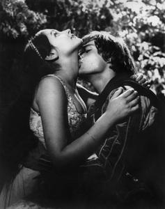 """Romeo & Juliet""Leonard Whiting, Olivia Hussey1968 Paramount - Image 8106_0008"