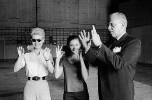 """South Pacific""Mitzi Gaynor, France Nuyen, director Joshua Logan1958 20th Century Fox © 1978 Bob Willoughby - Image 8227_0022"