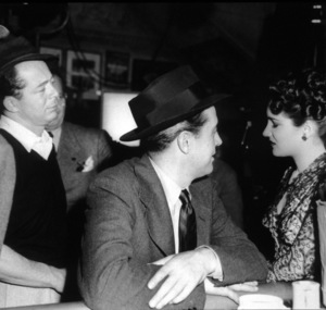 """""""The Lost Weekend""""Billy Wilder, Ray Milland, Doris Dowling1945 Paramount / MPTV - Image 8298_0013"""