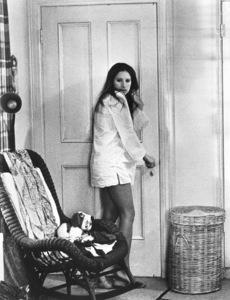 """""""Up The Sandbox""""Barbra Streisand1972 First Artist**I.V. - Image 8471_0006"""
