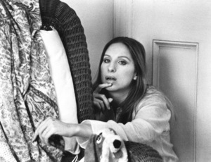 """Up The Sandbox""Barbra Streisand1972 First Artist**I.V. - Image 8471_0010"