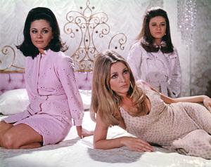 """Valley of the Dolls""Barbara Parkins, Sharon Tate, Patty Duke1967 20th Cent. Fox**I.V. - Image 8489_0007"