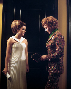 """Valley of the Dolls""Patty Duke, Susan Hayward1967 20th Cent. Fox**I.V. - Image 8489_0010"