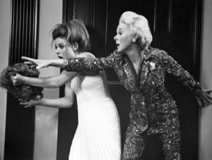 """Valley of the Dolls""Patty Duke and Susan Hayward1967 Twentieth Century Fox**I.V. - Image 8489_0024"
