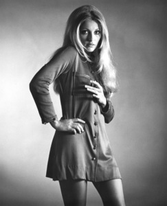 """Valley of the Dolls""Sharon Tate1967 Twentieth Century Fox**I.V. - Image 8489_0027"
