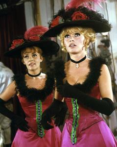 """Viva Maria""Brigitte Bardot, Jeanne Moreau1965 UA**I.V. - Image 8503_0013"
