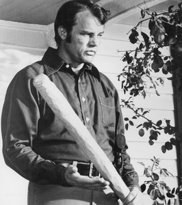 """Walking Tall""Joe Don Baker © 1973 BCP Productions - Image 8511_0001"