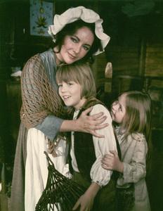 """Blue Bird, The""Elizabeth Taylor, Todd Lookinland and Patsy Kensit1976 20th Century Fox - Image 8682_0011"
