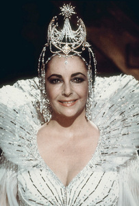 """Blue Bird, The""Elizabeth Taylor1976 20th Century Fox - Image 8682_0012"