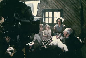 """""""Blue Bird, The""""Elizabeth Taylor,  Todd Lookinland and Patsy Kensit with director George Cukor1976 20th Century Fox - Image 8682_0016"""