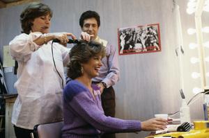 """Entertainment Tonight""Mary Hart, Robb Wellercirca 1988© 1988 Gene Trindl - Image 8731_0036"
