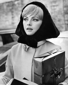 """""""Anyone Can Play""""Virna Lisi1967 Documento Films / Paramount Pictures - Image 9003_0009"""