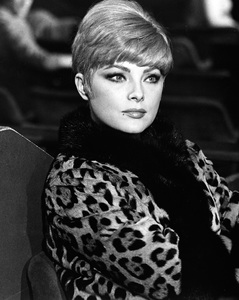 """""""Anyone Can Play""""Virna Lisi1967 Documento Films / Paramount Pictures - Image 9003_0013"""