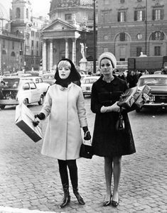 """""""Anyone Can Play""""Virna Lisi, Claudine Auger1967 Documento Films / Paramount Pictures - Image 9003_0015"""