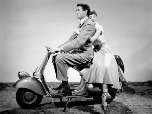 """Roman Holiday""Gregory Peck, Audrey Hepburn1953 / Paramount**I.V. - Image 9202_0018"