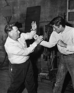"""""""The Lonely Man""""Prop man Jimmy Cottrell, Anthony Perkins1957 Paramount Pictures - Image 9209_0009"""