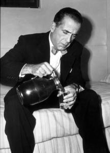 """The Enforcer""Humphrey BogartBackstage between takes1950 Warner Bros.Photo by ""Graybill""MPTV - Image 9214_0003"