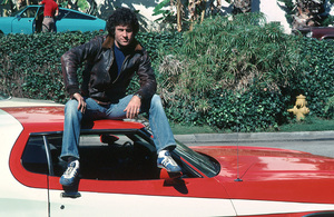 """""""Starsky and Hutch""""Paul Michael Glaser and the Ford Torino © 1976 ABC**H.L. - Image 9220_0280"""