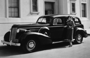 Olivia De Havilland with her 1937 BuickC. 1937*M.W.* - Image 925_1020