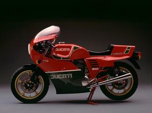 MotorcyclesDucati 900 (Mike Hailwood replica)circa 1982© 1982 Ron Avery - Image 9266_0027