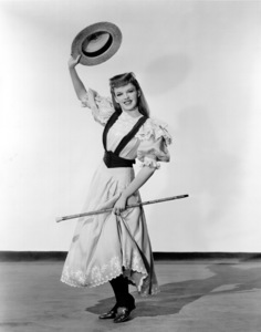 """""""Meet Me In St. Louis""""Judy Garland1944 MGM / **I.V. - Image 9287_0004"""