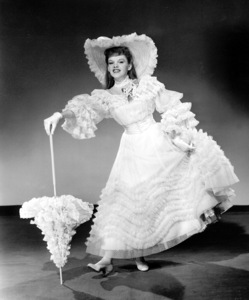"""""""Meet Me in St. Louis""""Judy Garland1944 MGM / **I.V. - Image 9287_0007"""