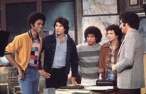 """Welcome Back Kotter"" Lawrence Hilton-Jacobs, John Travolta, Robert Hegyes, Ron Palillo, Gabe Kaplan1976 ABC**H.L. - Image 9291_0046"