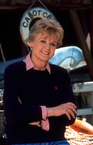 """Murder She Wrote""Angela LansburyC. 1996 CBS © 1996 Gene TrindlMPTV - Image 9294_0002"