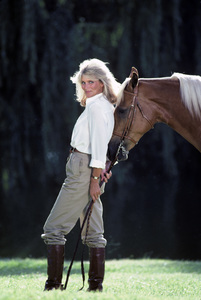 """Dynasty""Linda Evans © 1982 Mario Casilli - Image 9295_0130"