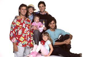 """Full House""Dave Coulier, Candace Cameron, Ashley Olsen / Mary-Kate Olsen, Bob Saget, John Stamos, Jodie Sweetin1987 © 1987 Mario Casilli - Image 9335_0006"