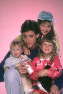 """""""Full House""""Bob Saget, Candice Cameron, Jodie Sweetin, Ashley OlsenABC © 1987 Mario Casilli - Image 9335_0030"""