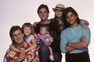 """Full House"" Dave Coulier, Candace Cameron, Ashley Olsen / Mary-Kate Olsen, Bob Saget, John Stamos, Jodie Sweetin 1987 © 1987 Mario Casilli - Image 9335_0042"
