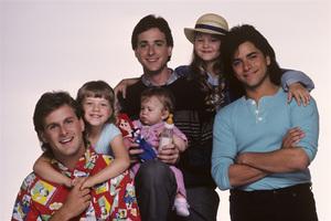"""Full House"" Dave Coulier, Candace Cameron, Ashley Olsen / Mary-Kate Olsen, Bob Saget, John Stamos, Jodie Sweetin 1987 © 1987 Mario Casilli - Image 9335_0042"